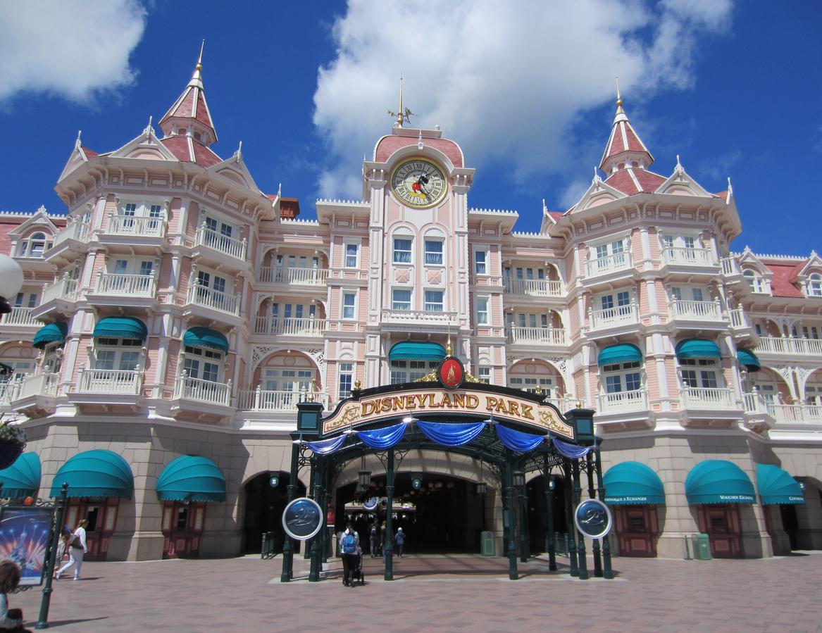 Disneyland : le parc de loisirs ferme ses portes jusqu'en février 2021