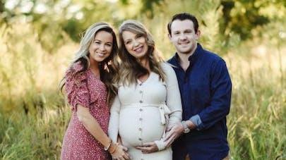 PMA : à 51 ans, elle a porté l'enfant de sa fille, qui ne pouvait pas être enceinte