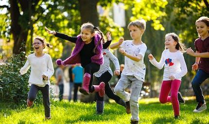 Émotions: apprendre en faisant semblant, les bienfaits pour les enfants