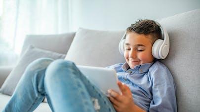 États-Unis : un enfant de 6 ans dépense 16 000 dollars en jouant sur la tablette de sa mère
