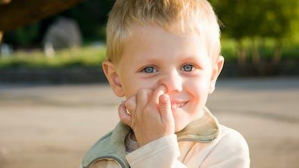Pourquoi il vaut mieux éviter de se curer le nez en pleine épidémie de Covid