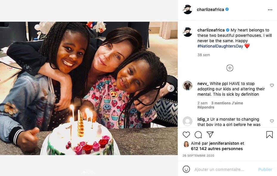 Charlize Theron a adopté une fille et un garçon, ce dernier étant en fait une fille transgenre