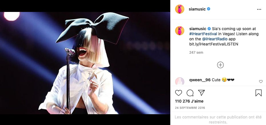 En 2020, Sia a adopté deux garçons âgés de 18 ans