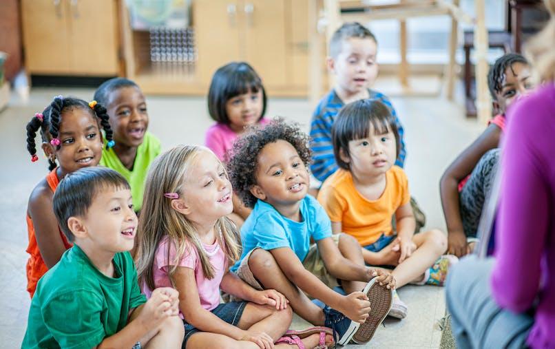 enfants d'une classe maternelle