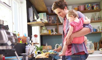 Fin de congé maternité : la vidéo amusante d'un papa au foyer pour sa femme qui retourne au travail