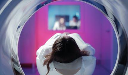 Mon enfant doit passer une IRM ou un Scanner : comment le rassurer et l'accompagner au mieux ?