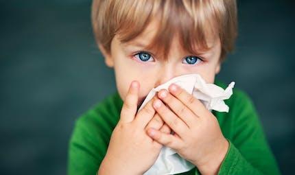 Maladies de l'hiver des enfants : les astuces de grand-mère qui soulagent vraiment