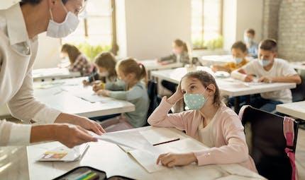 Covid-19 : bientôt des tests salivaires dans les écoles et les universités