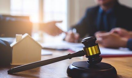 Il ne faisait pas le ménage : un homme divorcé condamné à verser 6 400 euros à son ex-femme