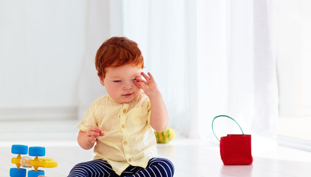 Mon enfant a un orgelet : causes, symptômes, traitement