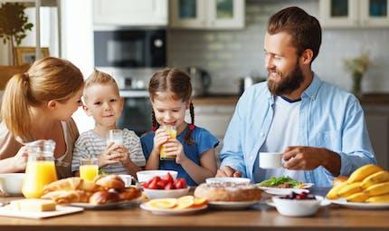 Petit-déjeuner des enfants : un repas sain et équilibré