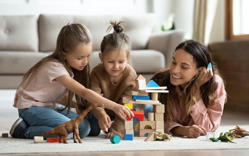 assistante maternelle et enfants