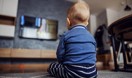 Brest : une maman condamnée après avoir laissé son enfant de 2 ans seul devant la télé pour aller faire la fête