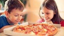 """La """"malbouffe"""" abîme les os des enfants, selon une étude"""