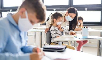 Rentrée scolaire le 26 avril : enseignants et parents d'élèves veulent des détecteurs de CO2