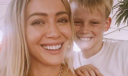 Hilary Duff maman : elle raconte son accouchement à domicile aux côtés de son fils de 9 ans