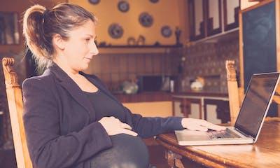 Télétravail : les députés favorables à sa généralisation en fin de grossesse