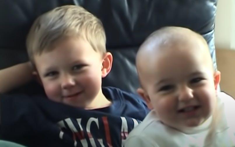 vidéo deux petits garçons