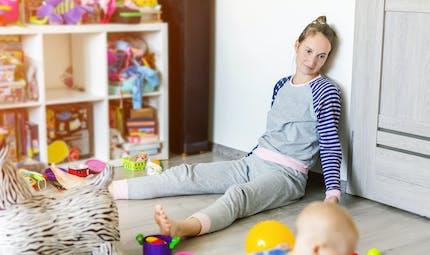 Parents au foyer : le plaidoyer de Louise Chabat