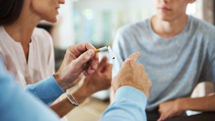 Tabac: comment protéger les adolescents de la cigarette?