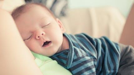 Comment aider bébé à bien dormir