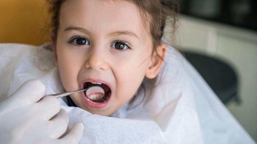 La première visite de votre enfant chez le dentiste