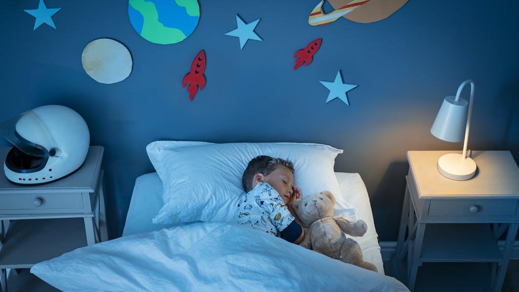 Ecole : 6 conseils pour recaler le sommeil des enfants avant la rentrée