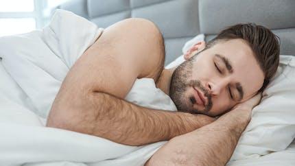 TikTok: pourquoi dormir nu est déconseillé, surtout pour le bien-être du partenaire
