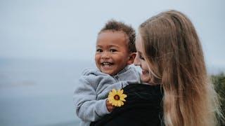 Témoignage de parents : « Je n'ai pas la même couleur de peau que mon enfant »