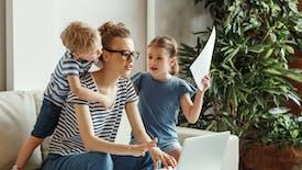 Les familles monoparentales, de plus en plus nombreuses et de plus en plus pauvres