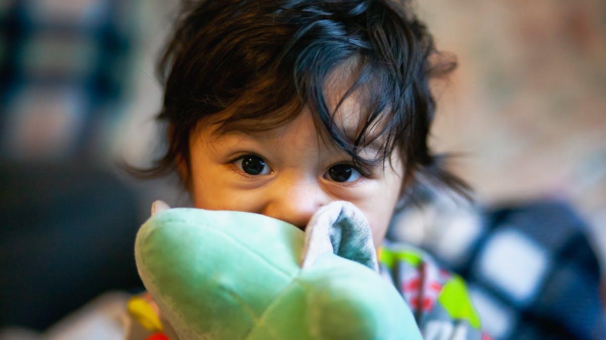 Un bébé et son doudou : que faire si doudou est perdu ?