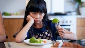 """Votre enfant est un """"mangeur difficile"""" ? Voici ce qu'il faut faire, selon des chercheurs"""
