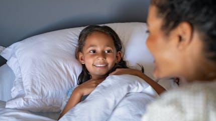 Changement d'heure : comment aider les enfants à le gérer avec la sophrologie ?