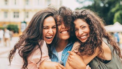 Cheveux, visage, jambes… : quelle est la partie de leur corps que préfèrent les Françaises ?