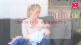 Comment donner le biberon à bébé ?