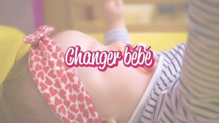 Comment changer bébé ? (vidéo)