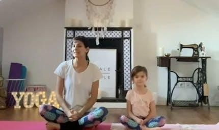 Ma routine Yoga « parent-enfant » : 3 exercices pour apaiser la colère
