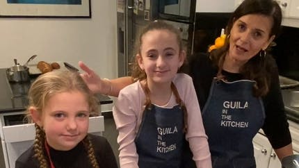 En cuisine en famille ! : la recette des scones de Guila in the Kitchen