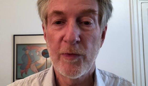 La réponse de l'expert : Comment éviter la plagiocéphalie ou symptôme de la tête plate du nourrisson.
