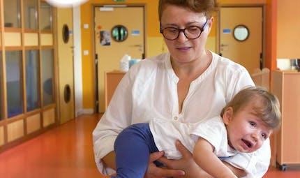 Comment porter bébé